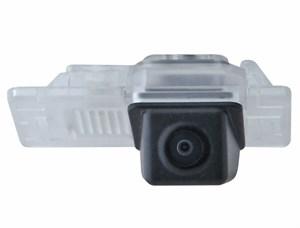 Штатная камера заднего вида Incar VDC-113 для VW Caddy IV, Golf , Polo, Multivan, Passat ,Touareg ,Touran II, Transporter T6