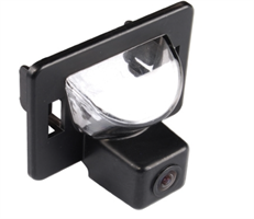 Камера заднего вида Daystar DS-9510C для Mazda 5